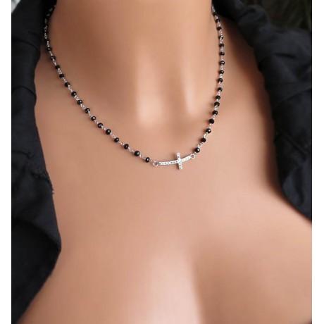 Κολιέ Ροζάριο με μαύρα κρυσταλλάκια και σταυρό