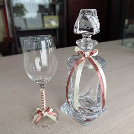 Cafrafe and crystal glass for wedding with ribbons