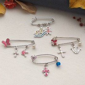 Νέες Παιδικές Παραμάνες από Ασήμι 925. Θα τα βρεις στο ASIMENIO.GR . Τιμές 29-32€ Ε-𝘚𝘩𝘰𝘱 ➡️ 𝘸𝘸𝘸.𝘢𝘴𝘪𝘮𝘦𝘯𝘪𝘰.𝘨𝘳 . 𝘊𝘢𝘭𝘭 𝘶𝘴 📞 2310 531382 𝘰𝘳 𝘋𝘔 💌 . . ~~~~~~~~~~~~~~~~~~~~~~~~~~~~ #asimenio_gr #asimenio #jewelry #kosmimata #instajewelry #instajewels #thessaloniki #gift #baby #μωρό #παραμανες #παραμανα #μωρο #παιδικα #κοσμήματα #silver #αγορι #κοσμήματα #θεσσαλονικη #κοριτσι #μωρακια #newborn #greekjewelry #κωνσταντινάτο #παιδι #παιδιά #νεογεννητα