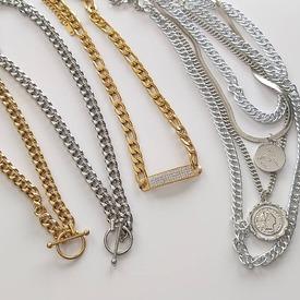 New & Stylish! 💋 Θα τα βρεις στο ASIMENIO.GR . Τιμή 16.90€ 📦 Δωρεάν Μεταφορικά! . e-shop: ➡️ www.asimenio.gr  📞.2310 531382 💌 Dm for info  . ~~~~~~~~~~~~~~~~~~~~~~~~~~~ #asimenio_gr #asimenio #jewelry #kosmimata #instajewelry #instajewels #κολιεδάκια #πέρλα #περλες #κολιέ #χρυσα #ατσαλι #αλυσίδα #αλυσιδα #αλυσιδες #fashion #greekjewelry #layers #layeringnecklaces #pearljewellery #pearlsnecklace #pearls #steel #κολιεαλυσιδα #χρυσο
